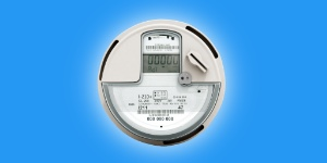 A power meter measuring the inflow and outflow of electricity for net metering.